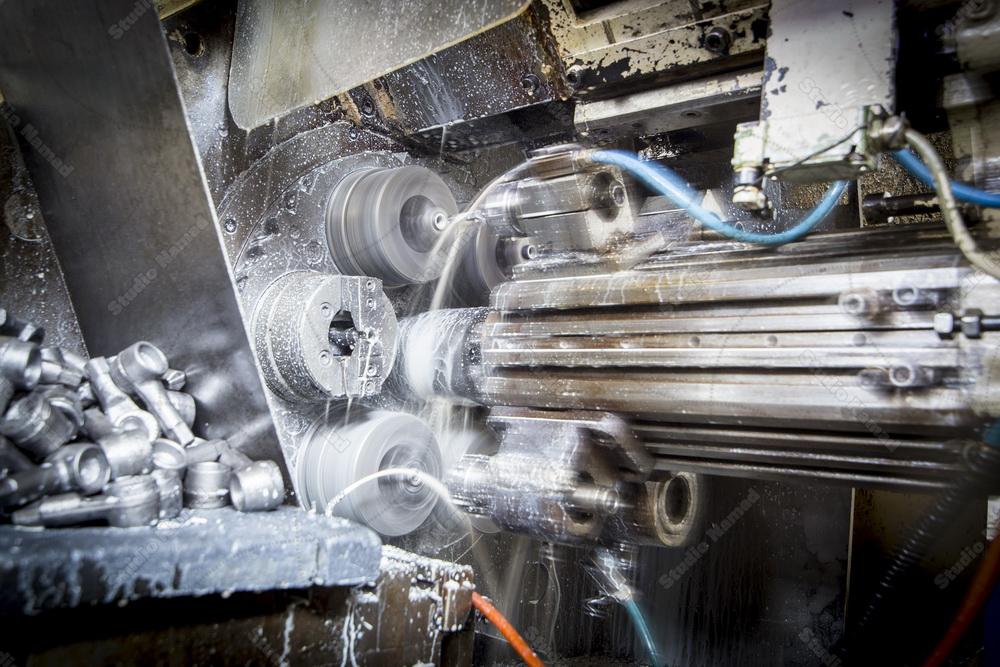 عکاسی فضای داخلی کارخانه مارپیچ باختر - تولید کننده قطعات خودرو